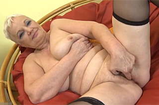 Česká babča ukáže kundu
