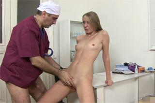 Gynekolog ojede pacientku (Rusko)