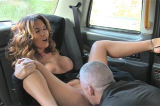 FakeTaxi – masturbátor