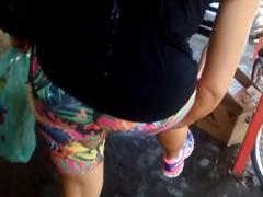 Výstřik na kolemjdoucí dívku