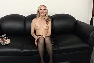 Teen, aneb mokrý BDSM casting