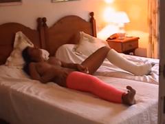 Žhavý orgasmus v posteli