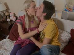Skutečné poprvé sex video