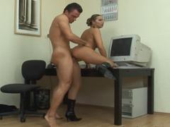 Sekretářka šuká za povýšení