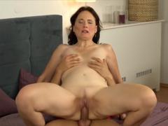 MILF sex erotické