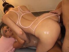 Porno orální kočička