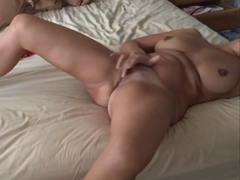 Amatérka si natočí svůj orgasmus