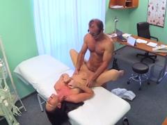 FakeHospital – zvědavá pacientka