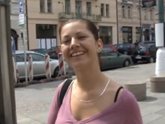 Česká holka se nechá mrdat do análu