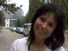 České holky z ulice – stydlivá milfka