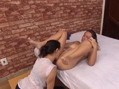 Žhavé Brazilské lesbičky v postýlce