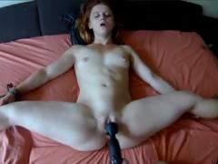 Sváže svoji holku a bude ji sexuálně mučit