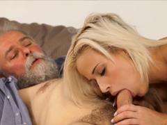 České porno – fotřík šukne synovu holku