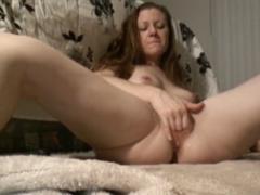 České porno – amatérka si vyprstí pičku