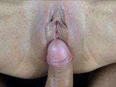 S přítelkyní natočí několik sexy videí